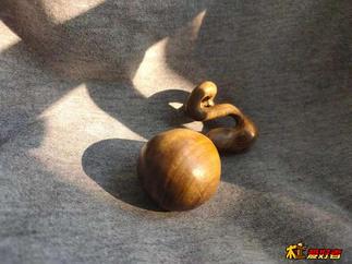 金丝楠木异形葫芦