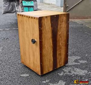 做了个箱鼓,樟子松指接板,表面碳化处理,擦虫胶